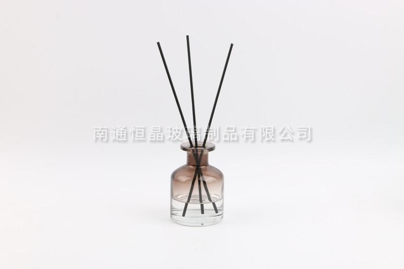 茶色玻璃瓶